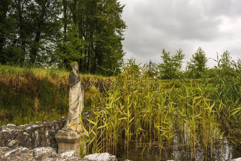 Αρχαίο άγαλμα στην περιοχή του Dion Archeological στην Ελλάδα στοκ φωτογραφίες