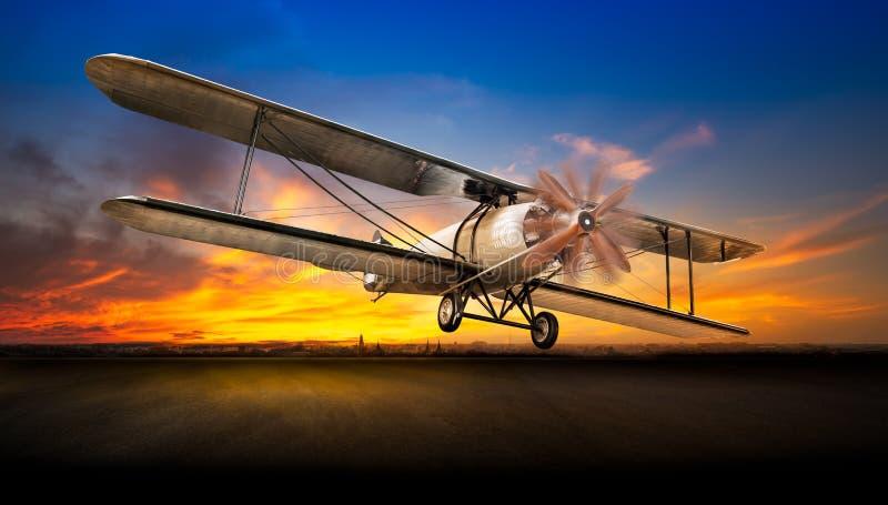 Αρχαίο αεροπλάνο απογείωσης στοκ φωτογραφίες