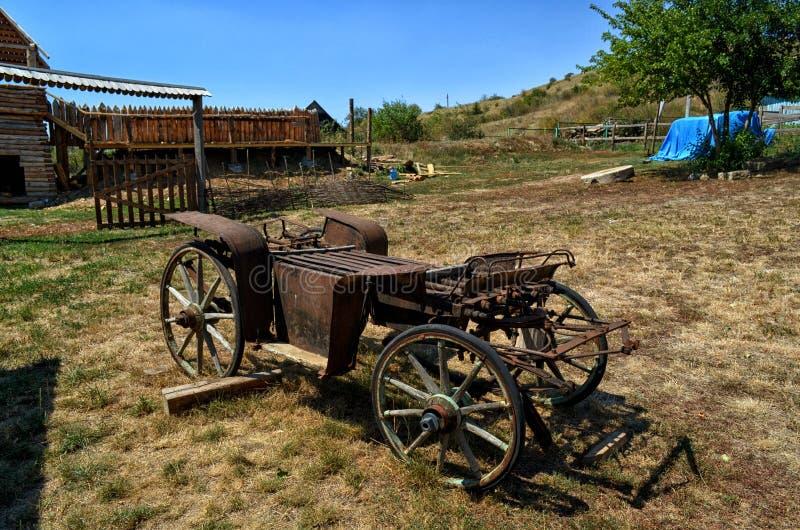 Αρχαίο βαγόνι εμπορευμάτων Cossack στο enokomplex Don στοκ εικόνες