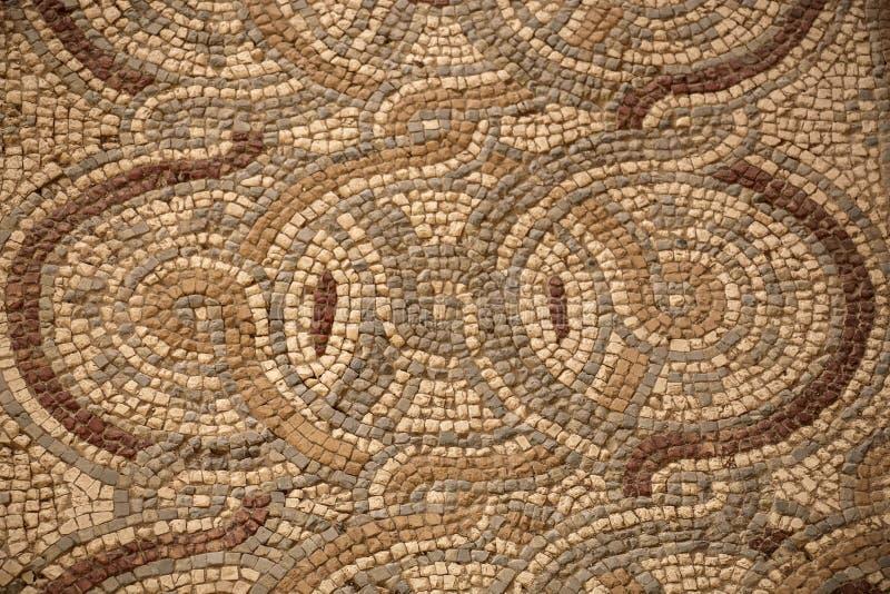 Αρχαίο βυζαντινό μωσαϊκό πατωμάτων από τις εκκλησίες της πόλης Madaba, Ιορδανία στοκ φωτογραφία με δικαίωμα ελεύθερης χρήσης
