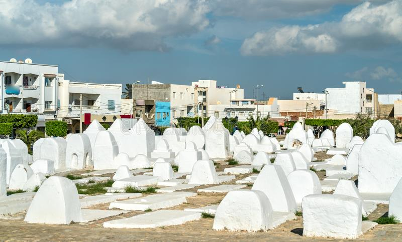 Αρχαίο μουσουλμανικό νεκροταφείο στους τοίχους Medina Kairouan, Τυνησία στοκ φωτογραφία με δικαίωμα ελεύθερης χρήσης