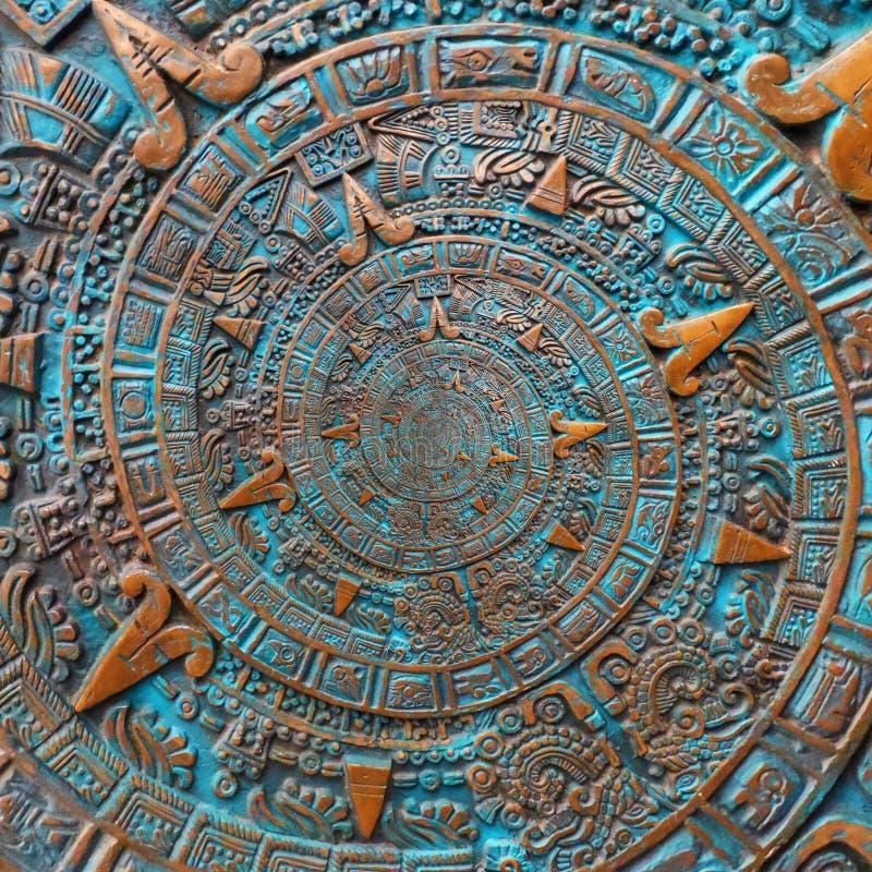 Αρχαίο παλαιό κλασσικό σπειροειδές των Αζτέκων υπόβαθρο σχεδίου διακοσμήσεων σχεδίων διακοσμήσεων χαλκού Αφηρημένη fractal σύστασ στοκ φωτογραφία