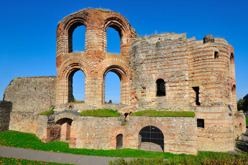 Αρχαίο ρωμαϊκό Kaiserthermen στην Τρίερ στοκ φωτογραφίες