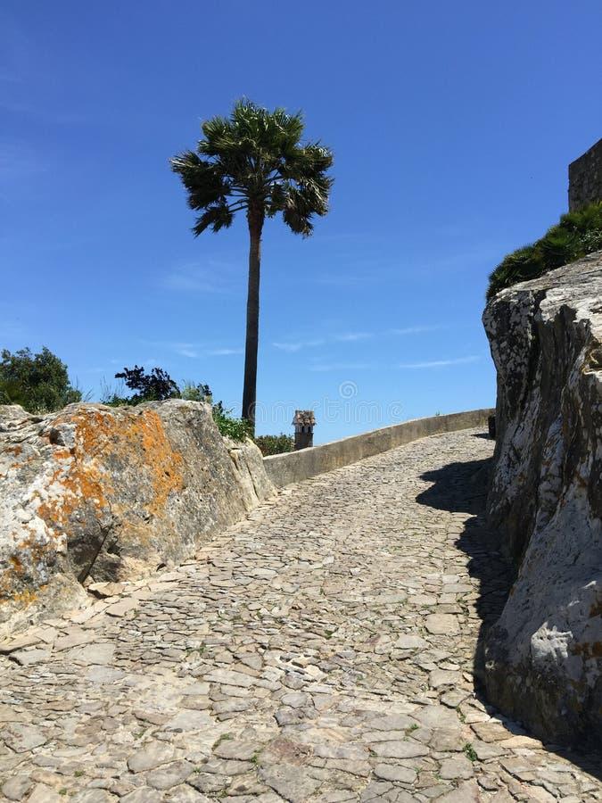 Αρχαίο φρούριο στο βουνό στοκ φωτογραφία