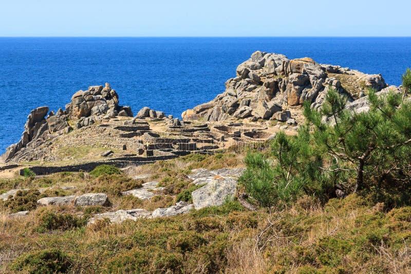 Αρχαίο χωριό κοντά στη θάλασσα στοκ φωτογραφία