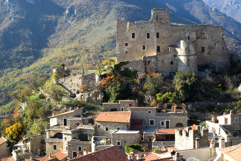 αρχαίο χωριό της Ιταλίας castelvi στοκ φωτογραφία με δικαίωμα ελεύθερης χρήσης