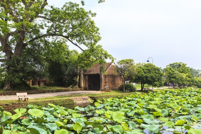 Αρχαίο χωριό του Duong Lam στο Ανόι στοκ φωτογραφίες