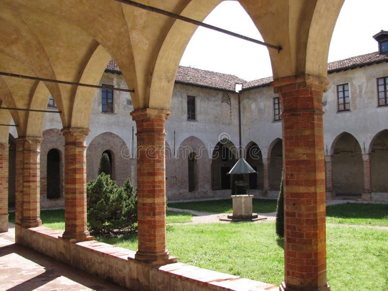 αρχαίο crema Ιταλία μοναστηριώ& στοκ εικόνα με δικαίωμα ελεύθερης χρήσης