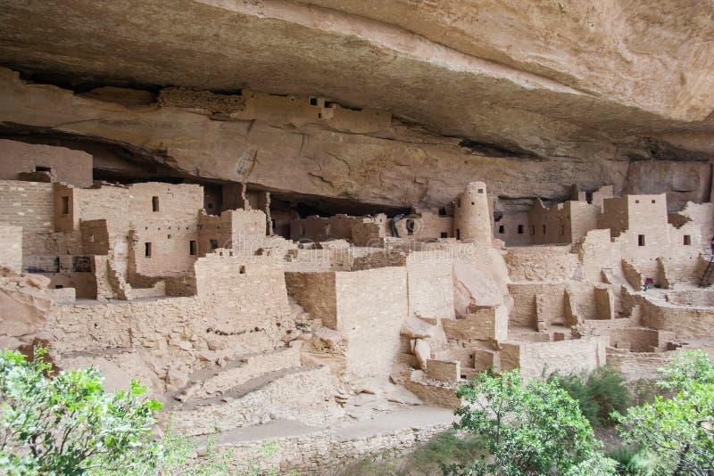 Αρχαίο puebloan χωριό παλατιών απότομων βράχων των σπιτιών και των κατοικιών στο εθνικό Νέο Μεξικό ΗΠΑ πάρκων Mesa Verde στοκ φωτογραφία