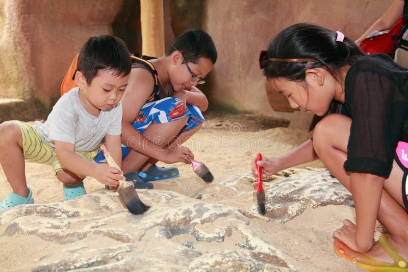 Αρχαιολογία παιδιών στοκ φωτογραφίες