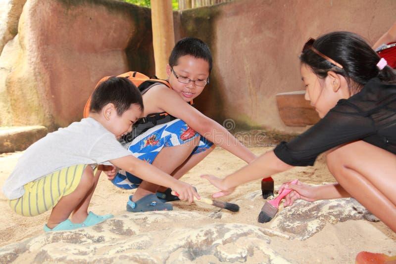 Αρχαιολογία παιδιών στοκ εικόνα με δικαίωμα ελεύθερης χρήσης