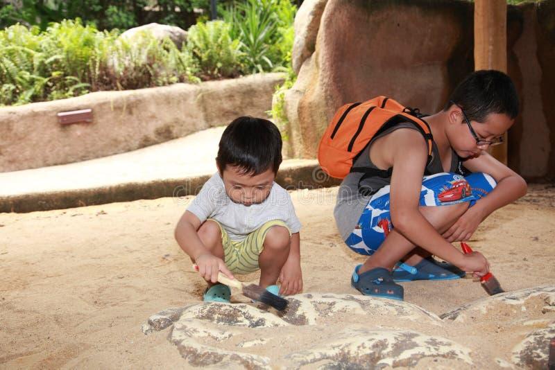 Αρχαιολογία παιδιών στοκ φωτογραφία