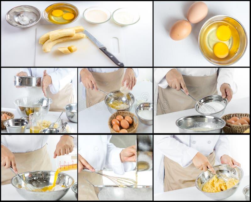 Αρχιμάγειρας που κατασκευάζει το κέικ μπανανών στοκ εικόνα