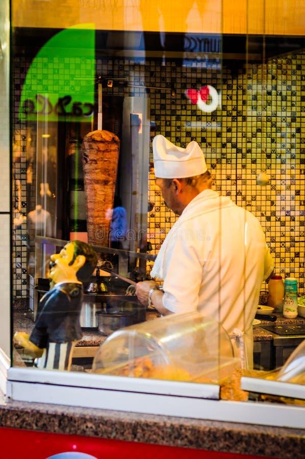 Αρχιμάγειρας Kebab Doner στοκ εικόνες με δικαίωμα ελεύθερης χρήσης