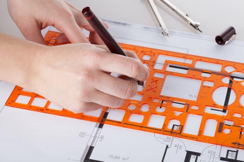 Αρχιτέκτονας που κάνει το πρόγραμμα στοκ εικόνες