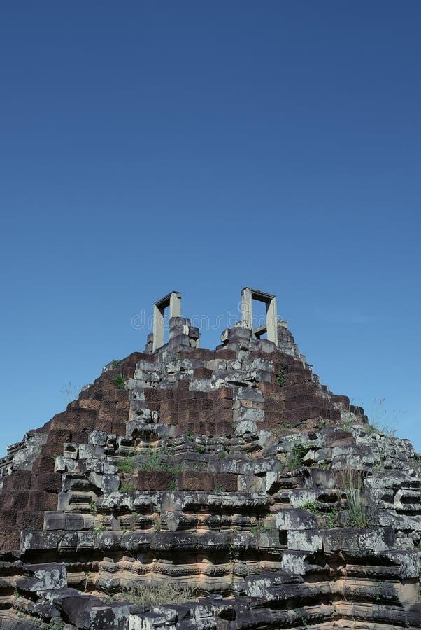 Αρχιτεκτονικά μνημεία των αρχαίων πολιτισμών Βήματα που οδηγούν στον ουρανό Κληρονομιά του Khmer πολιτισμού Οι καταστροφές ενός μ στοκ φωτογραφία με δικαίωμα ελεύθερης χρήσης