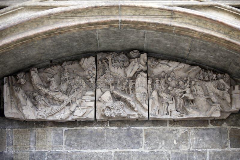 Αρχιτεκτονικές λεπτομέρειες από τους εξωτερικούς τοίχους του καθεδρικού ναού του ST Stephen ` s στη Βιέννη στοκ εικόνες με δικαίωμα ελεύθερης χρήσης
