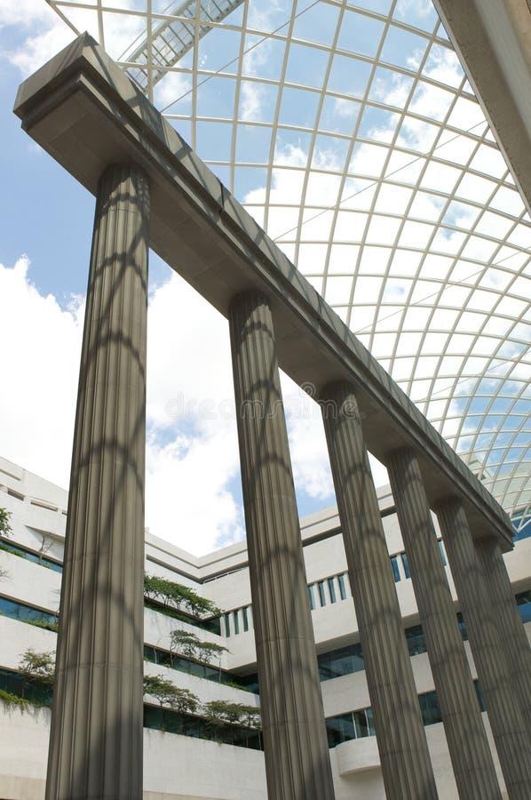 αρχιτεκτονικές στήλες &upsil στοκ φωτογραφία με δικαίωμα ελεύθερης χρήσης