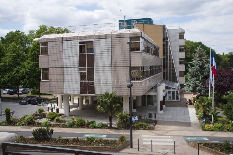 Αρχιτεκτονική ενός σύγχρονου Δημαρχείου στη Γαλλία στοκ εικόνα