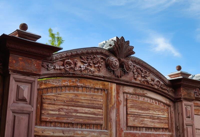 Αρχιτεκτονική κληρονομιάς Παλαιά πύλη σπιτιών στοκ φωτογραφίες