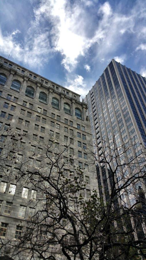 Αρχιτεκτονική - παλαιά εναντίον νέου στοκ εικόνες