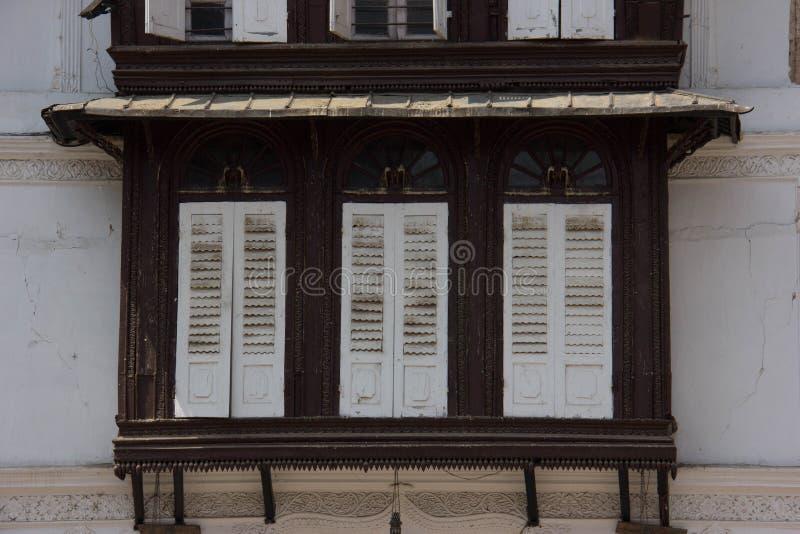 Αρχιτεκτονική σε ένα από τα βασιλικά παλάτια στο Κατμαντού στοκ φωτογραφίες