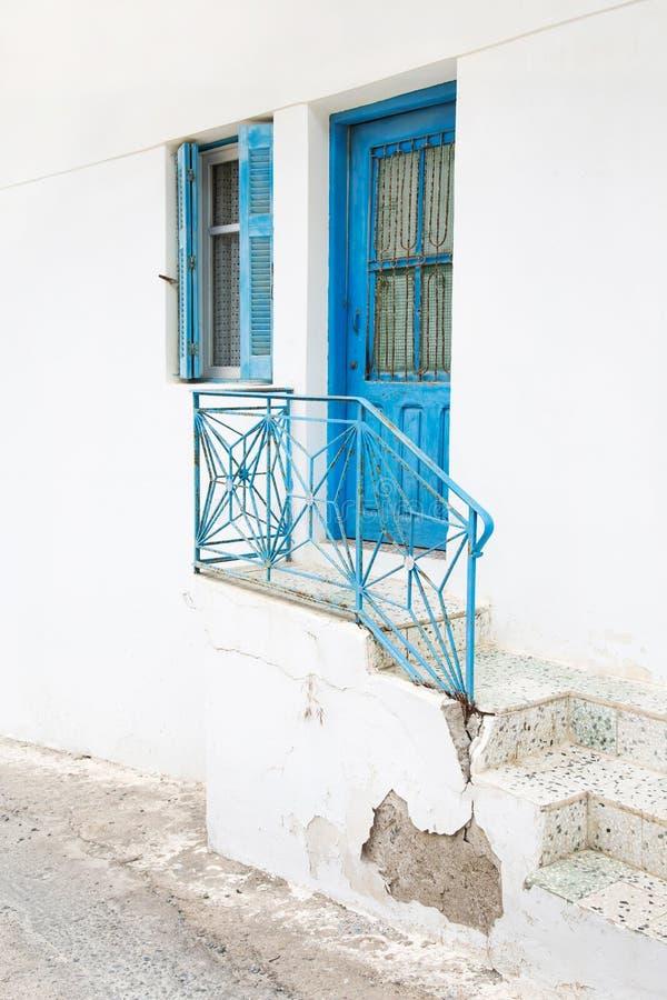 Αρχιτεκτονική στις Κυκλάδες Ελληνικά κτήρια νησιών με το ty της στοκ εικόνες με δικαίωμα ελεύθερης χρήσης