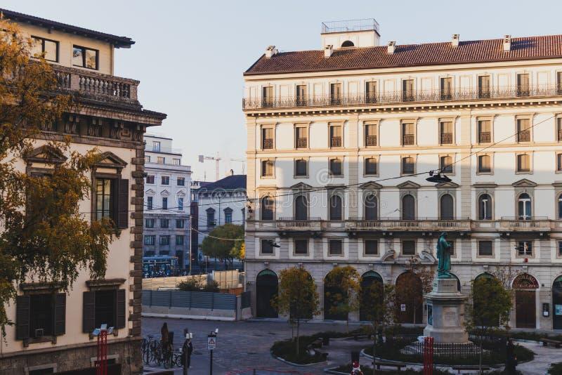 Αρχιτεκτονική Heirtage στο κέντρο της πόλης του Μιλάνου κοντά Galleria del Corso στοκ φωτογραφίες