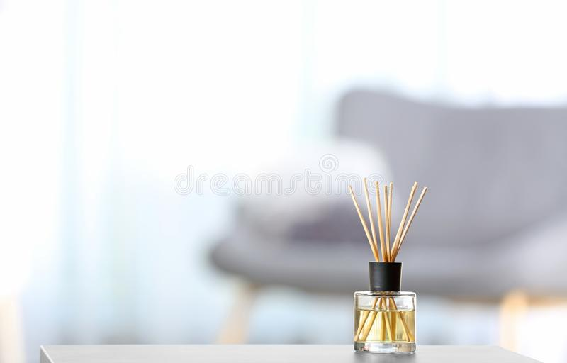 Αρωματικό αναψυκτικό αέρα καλάμων στον πίνακα στοκ εικόνες με δικαίωμα ελεύθερης χρήσης