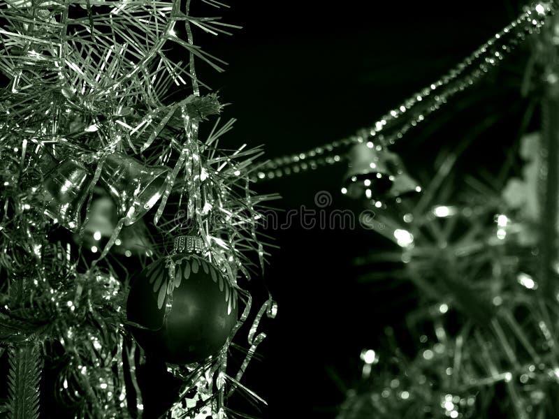 Ασήμι του νέου έτους πράσινο σε μονοχρωματικό στοκ εικόνα