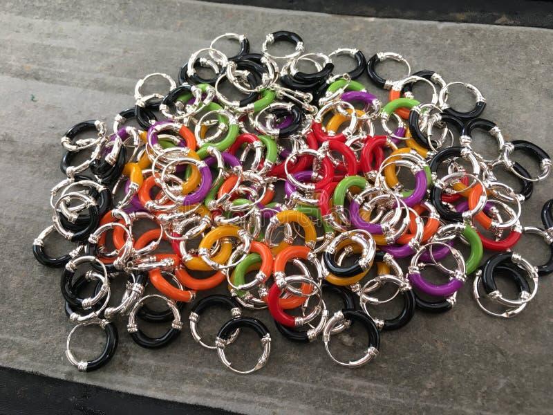 Ασημένια σκουλαρίκια στοκ φωτογραφία με δικαίωμα ελεύθερης χρήσης