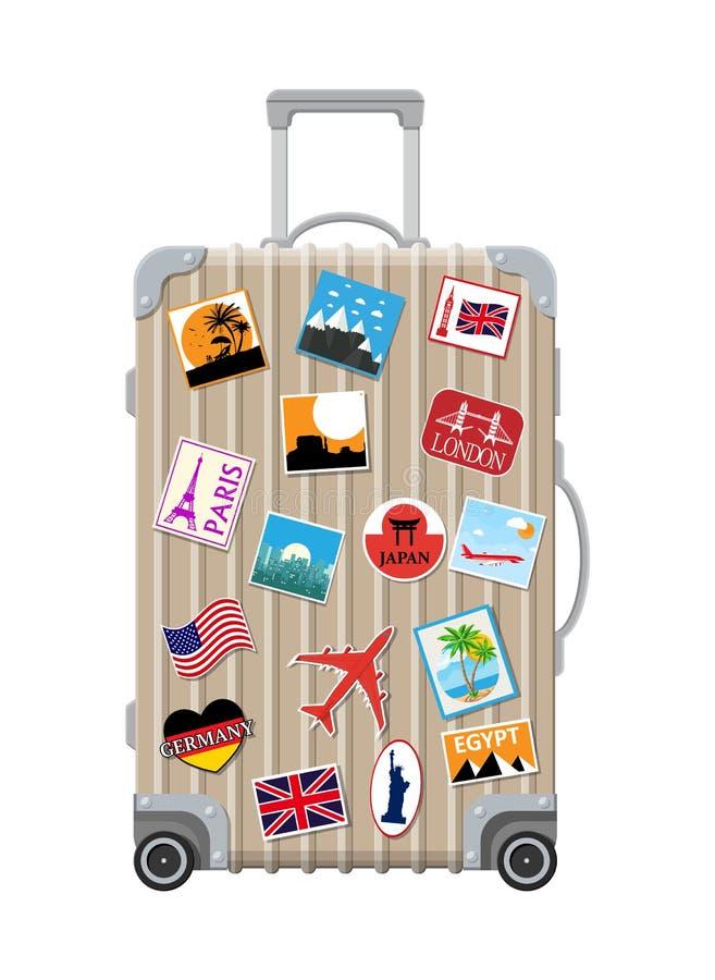 Ασημένια τσάντα ταξιδιού Πλαστική περίπτωση με τις αυτοκόλλητες ετικέττες ελεύθερη απεικόνιση δικαιώματος