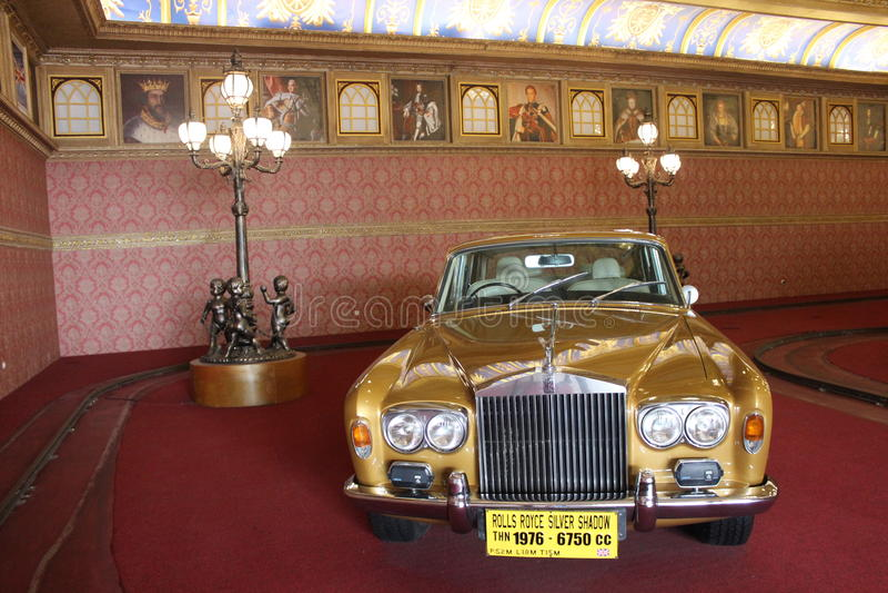 Ασημένιο αυτοκίνητο σκιών Rolls-$l*royce στοκ εικόνες