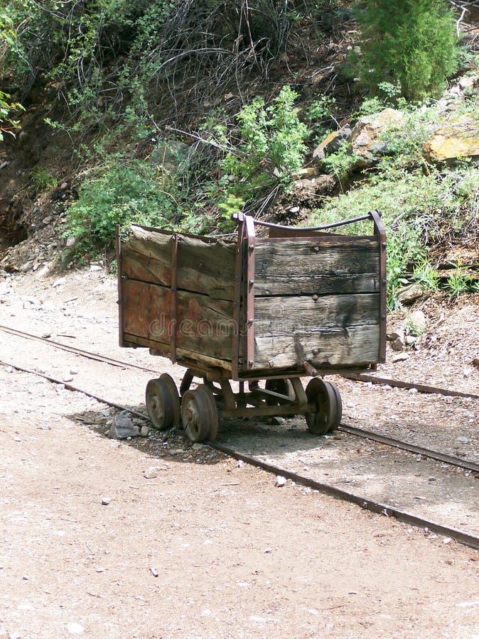 Ασημένιο κάρρο ορυχείου στοκ εικόνα