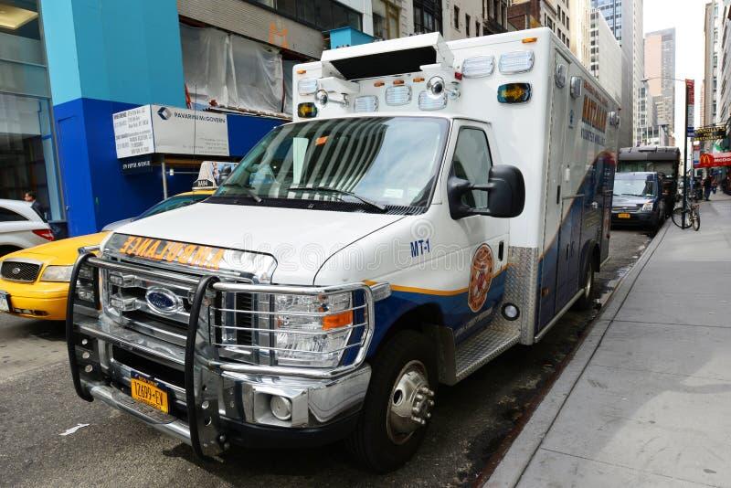 Ασθενοφόρο στην πόλη της Νέας Υόρκης στοκ εικόνες
