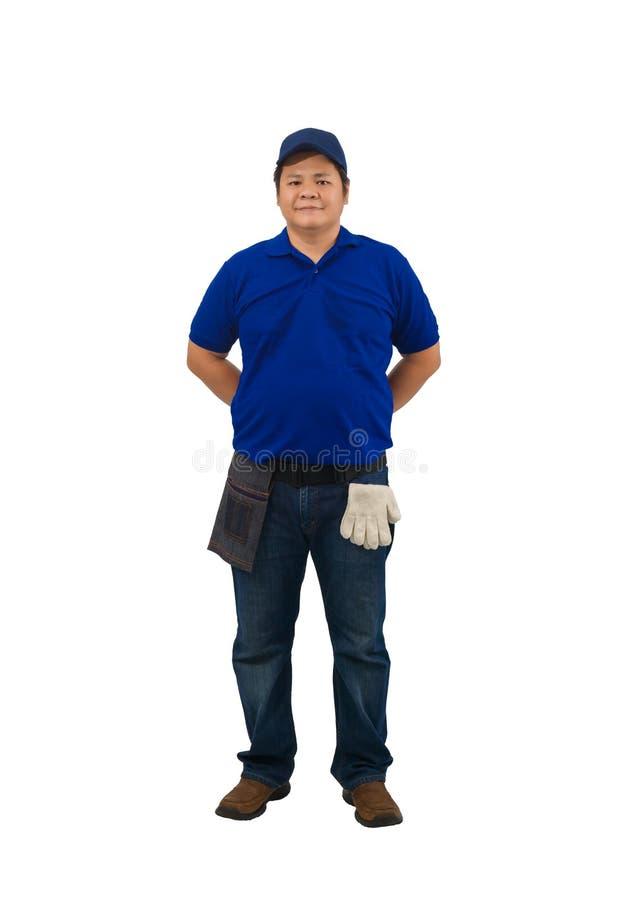 Ασιάτης διανομέας που εργάζεται με μπλε πουκάμισο με τσάντα Waist για εξοπλισμό απομονωμένο λευκό φόντο στοκ εικόνα
