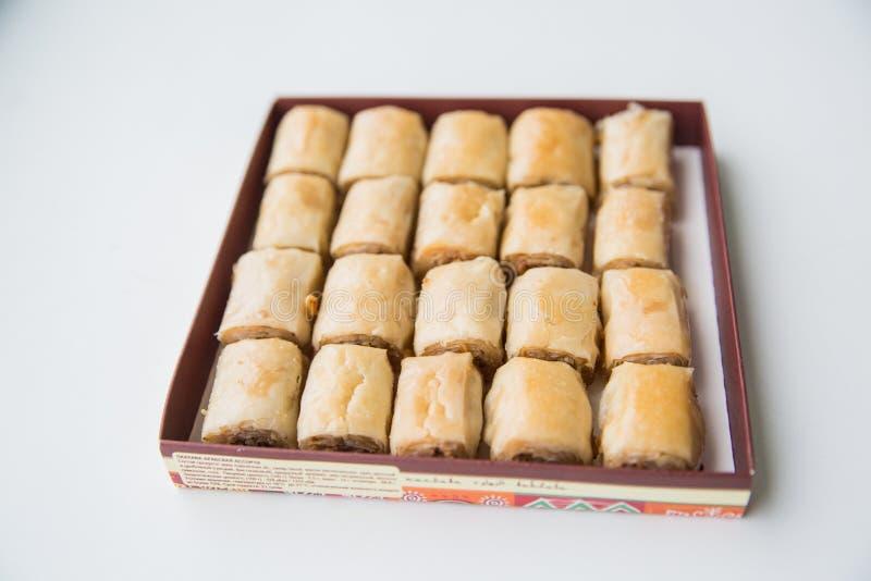 Ασιατικά γλυκά με το μέλι και τα καρύδια στοκ φωτογραφία με δικαίωμα ελεύθερης χρήσης