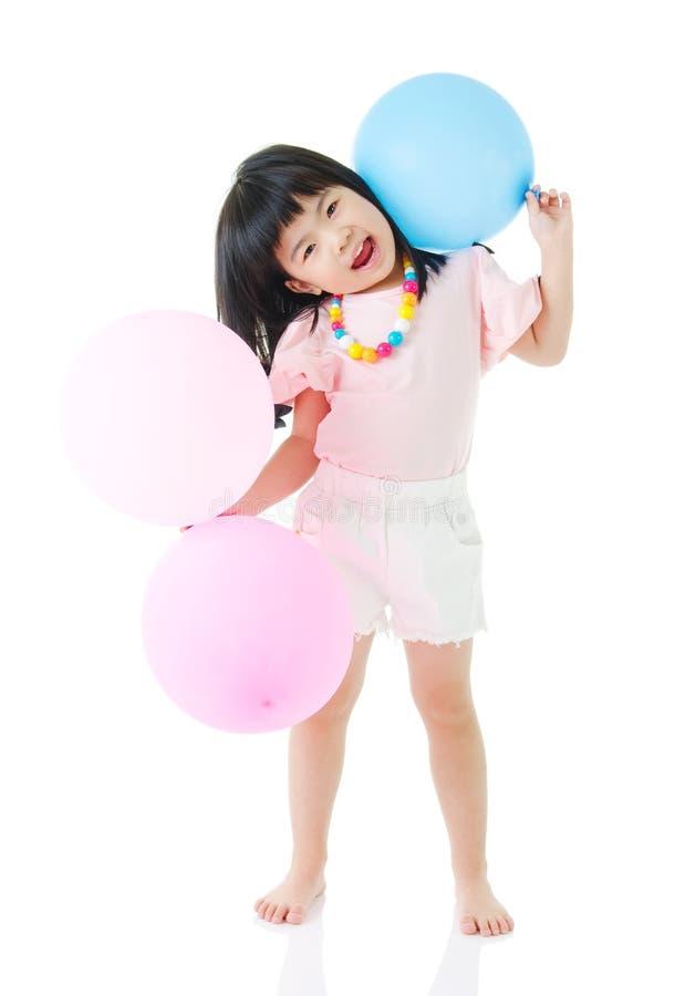 Ασιατικά μπαλόνια εκμετάλλευσης παιδιών στοκ φωτογραφίες με δικαίωμα ελεύθερης χρήσης