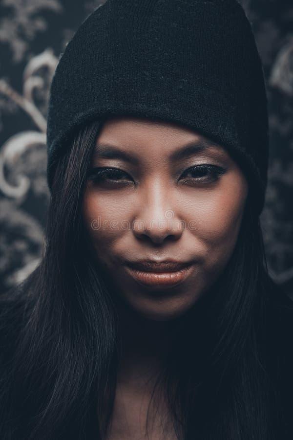 ασιατικές νεολαίες γυ&nu στοκ φωτογραφίες