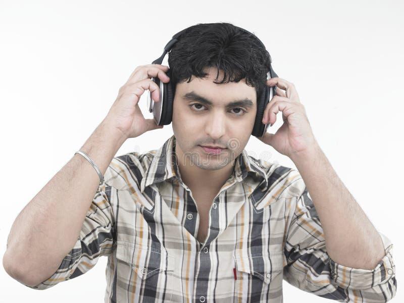 ασιατική αρσενική μουσι& στοκ εικόνες με δικαίωμα ελεύθερης χρήσης