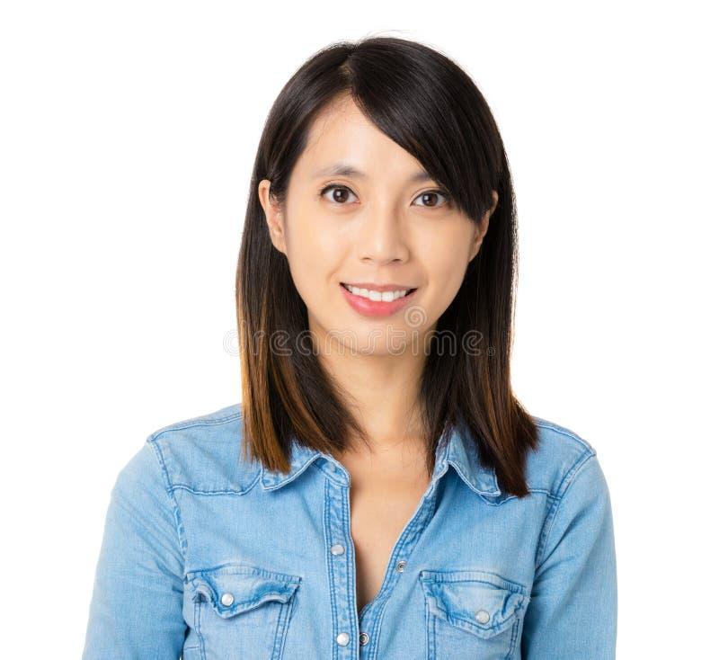 Ασιατική γυναίκα με το χαμόγελο στοκ φωτογραφία με δικαίωμα ελεύθερης χρήσης