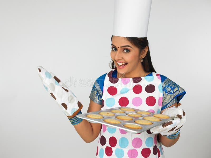ασιατική γυναίκα μπισκότ&omega στοκ φωτογραφίες με δικαίωμα ελεύθερης χρήσης