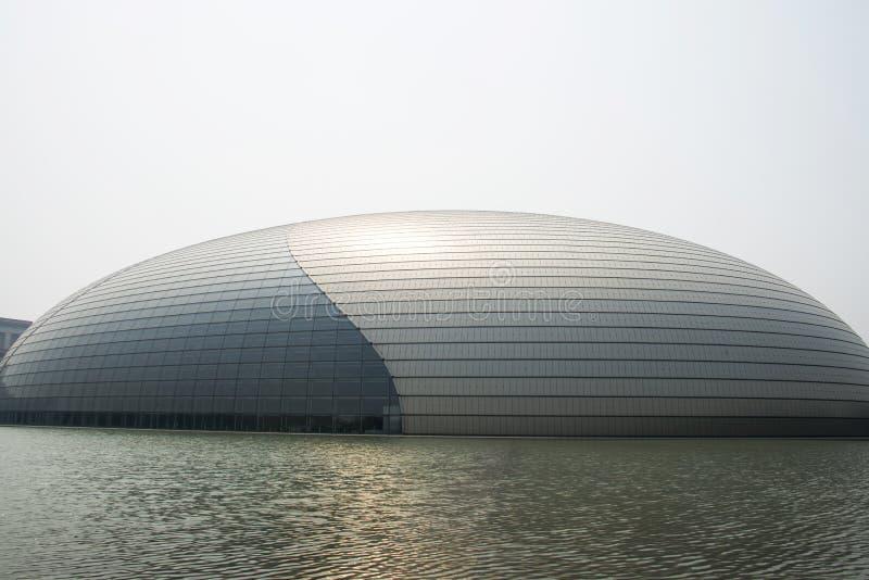 Ασιατική Κίνα, Πεκίνο, κινεζικό εθνικό μεγάλο θέατρο στοκ εικόνες