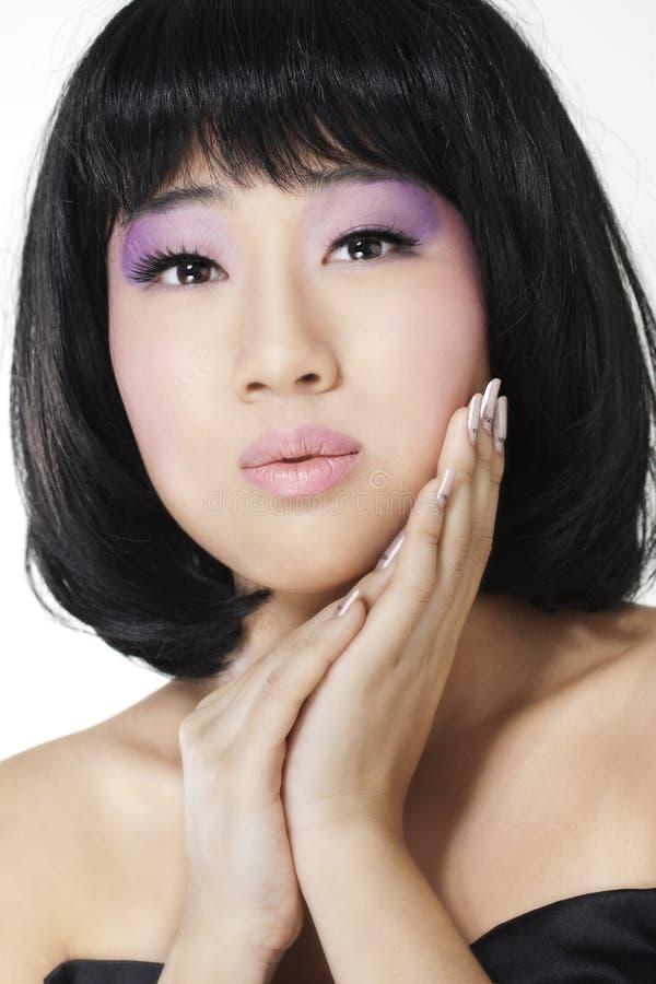 Download ασιατική όμορφη γυναίκα στοκ εικόνα. εικόνα από έξυπνο - 17056327