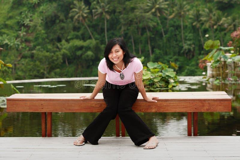 ασιατική όμορφη χαμογελώ&nu στοκ εικόνα