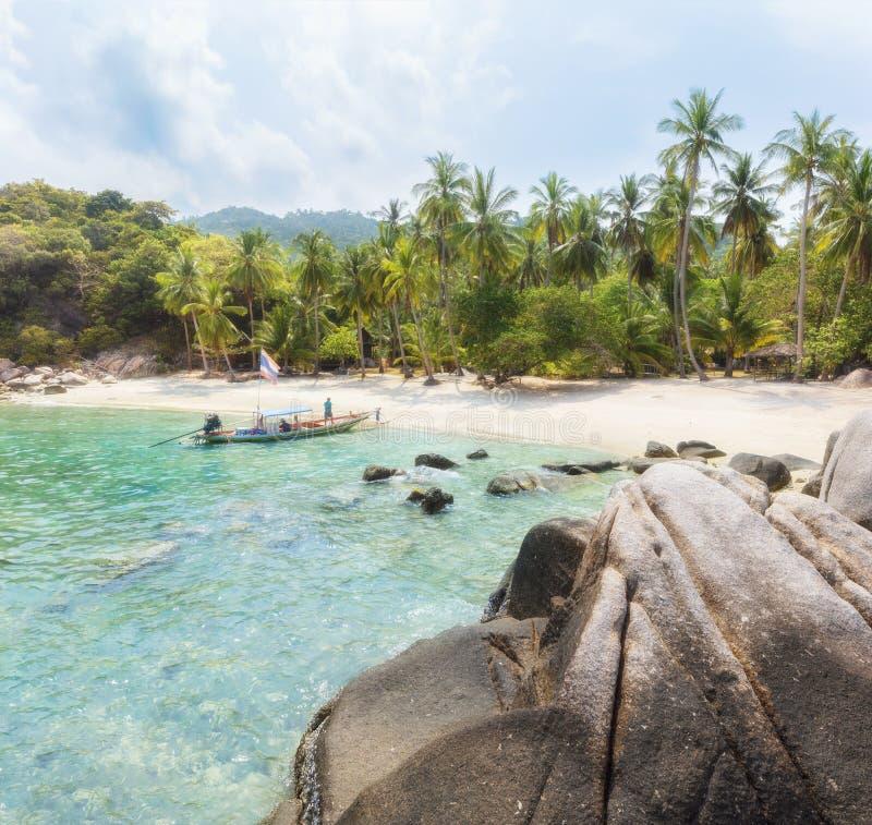 Ασιατικός τροπικός παράδεισος παραλιών στην Ταϊλάνδη στοκ εικόνες