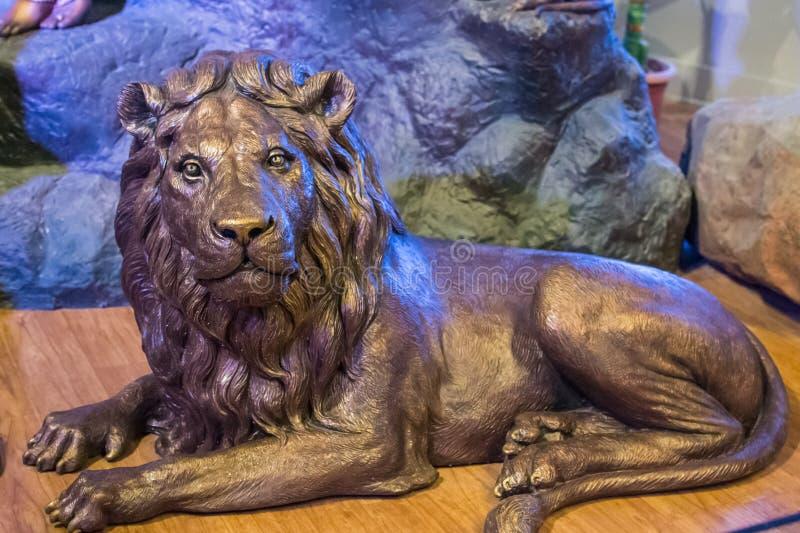 Ασιατικό γλυπτό λιονταριών στοκ εικόνες
