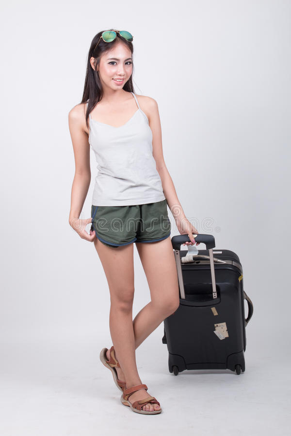 Ασιατικό κορίτσι στην έννοια ταξιδιού στοκ εικόνες
