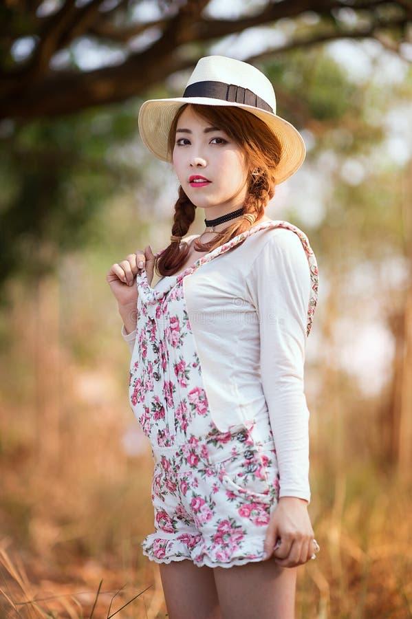 ασιατικό κορίτσι στοκ φωτογραφία