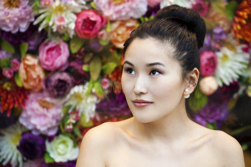 Ασιατικό πορτρέτο προσώπου ομορφιάς με την καθαρή και φρέσκια κομψή κυρία στοκ φωτογραφία με δικαίωμα ελεύθερης χρήσης